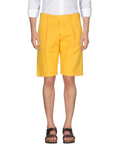 Фото - Мужские бермуды ASPESI желтого цвета