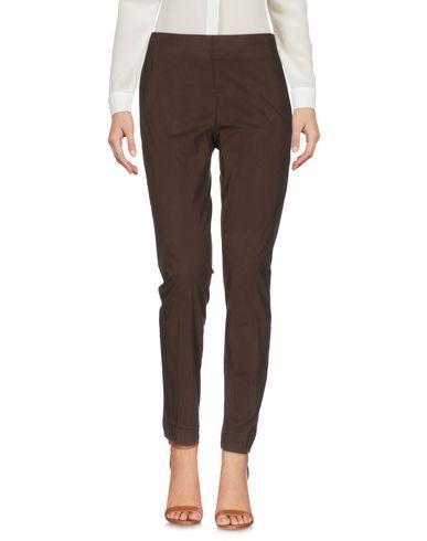 Фото - Повседневные брюки от MALÌPARMI темно-коричневого цвета