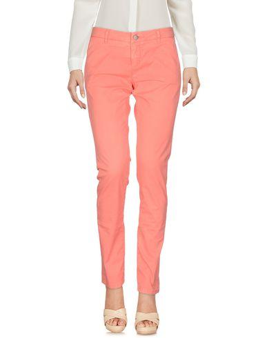 Фото - Повседневные брюки от SUN 68 лососево-розового цвета