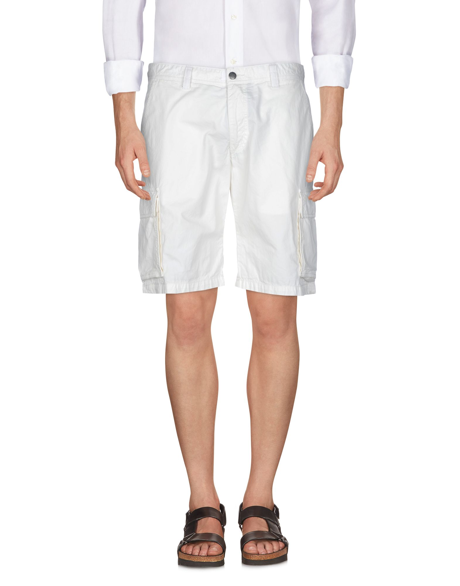 HENRI LLOYD Shorts & Bermuda in White