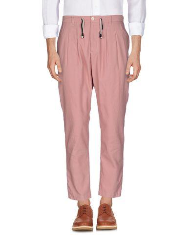 Фото - Повседневные брюки от BERNA пастельно-розового цвета