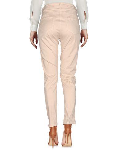 Фото 2 - Повседневные брюки от 19.70 NINETEEN SEVENTY бежевого цвета