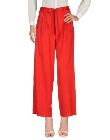 Фото - Повседневные брюки от FORTE_FORTE красного цвета