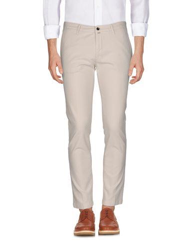 Фото - Повседневные брюки от BRIGLIA 1949 бежевого цвета