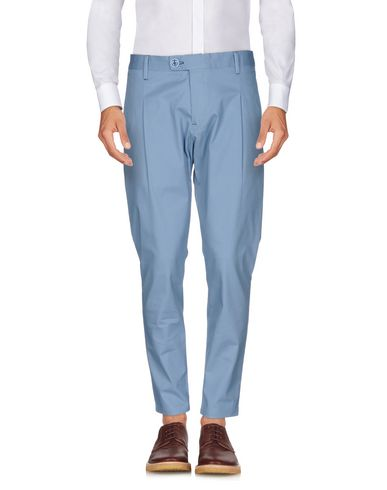 Фото - Повседневные брюки от NEILL KATTER небесно-голубого цвета