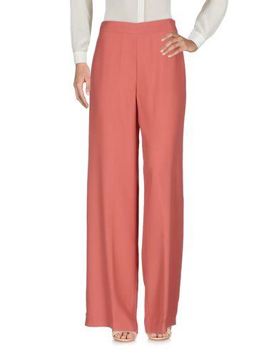 Фото - Повседневные брюки от MALÌPARMI M.U.S.T. пастельно-розового цвета