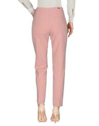 Фото 2 - Повседневные брюки розового цвета