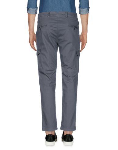 Фото 2 - Повседневные брюки от DANIELE ALESSANDRINI HOMME свинцово-серого цвета