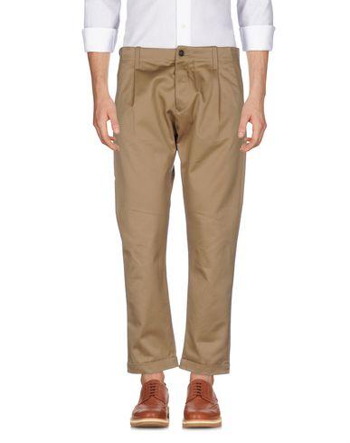 Фото - Повседневные брюки от FORTELA цвета хаки