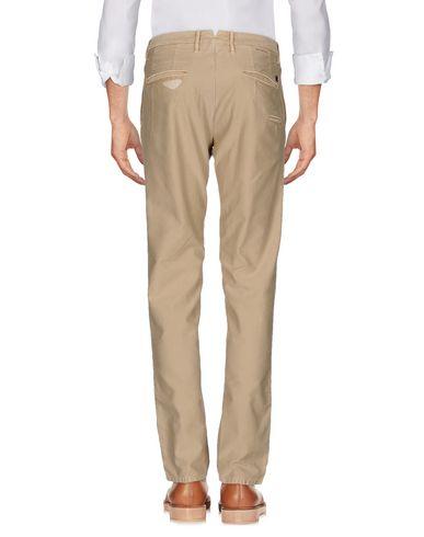 Фото 2 - Повседневные брюки от INCOTEX бежевого цвета