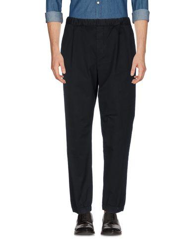 Фото - Повседневные брюки от McQ Alexander McQueen черного цвета
