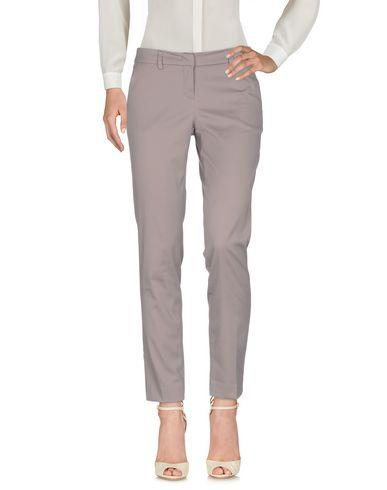 Фото - Повседневные брюки от HANITA серого цвета