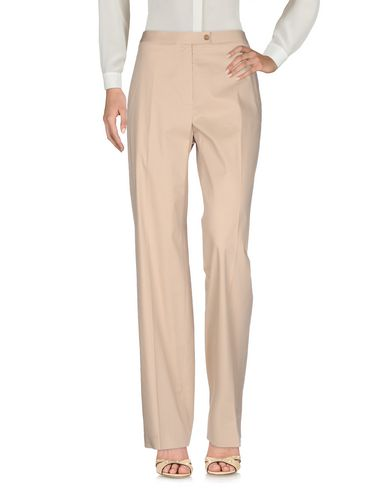 Фото - Повседневные брюки от METRADAMO бежевого цвета