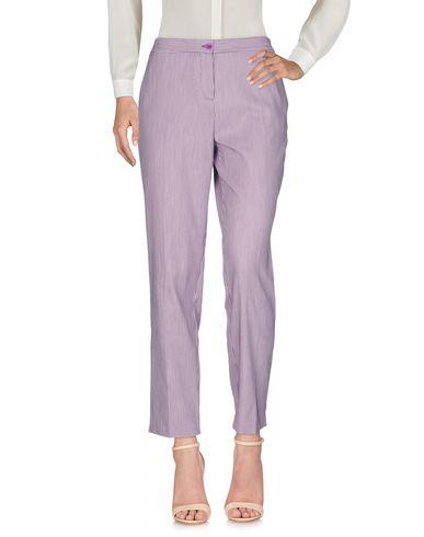 Фото - Повседневные брюки фиолетового цвета