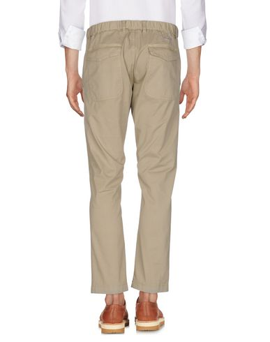 Фото 2 - Повседневные брюки от MACCHIA J бежевого цвета