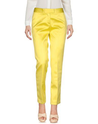 Фото - Повседневные брюки от CHRISTIAN PELLIZZARI желтого цвета