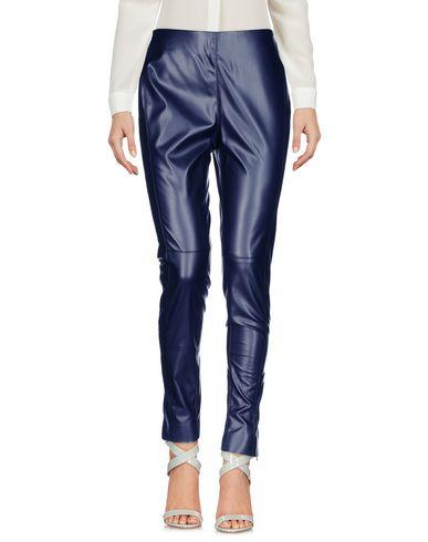 Фото - Повседневные брюки от MSGM темно-синего цвета