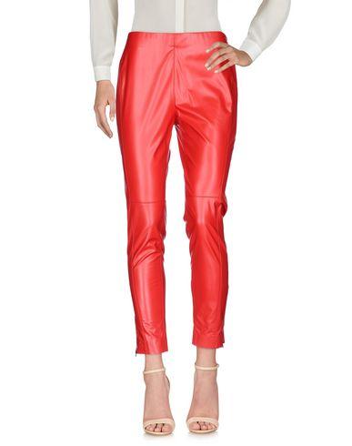 Фото - Повседневные брюки от MSGM красного цвета
