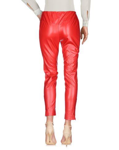 Фото 2 - Повседневные брюки от MSGM красного цвета