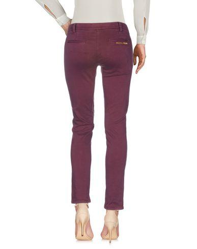 Фото 2 - Повседневные брюки цвет пурпурный