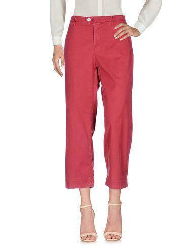 Фото - Повседневные брюки от OAKS красного цвета