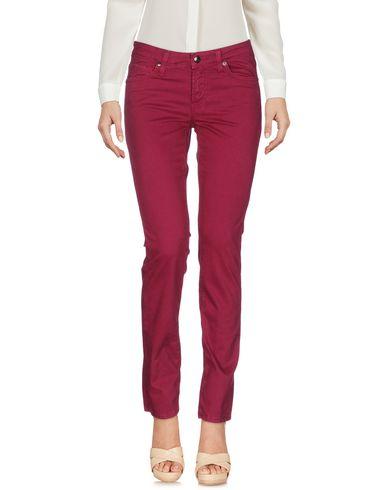 Фото - Повседневные брюки цвет пурпурный