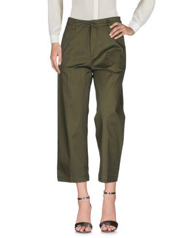 Фото - Повседневные брюки от CARHARTT цвет зеленый-милитари