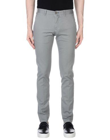 Фото - Повседневные брюки от DANDI серого цвета