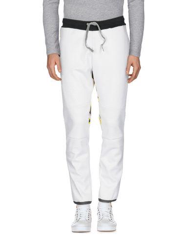 Повседневные брюки от AMARANTO