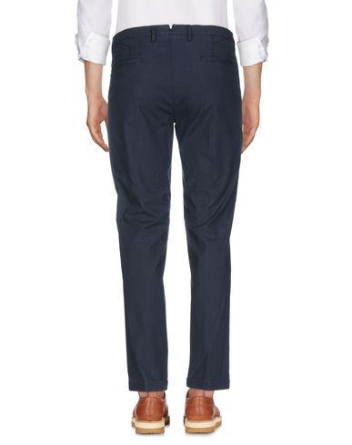 Фото 2 - Повседневные брюки от SIVIGLIA WHITE темно-синего цвета