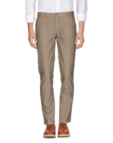Фото - Повседневные брюки от SIVIGLIA WHITE цвет песочный