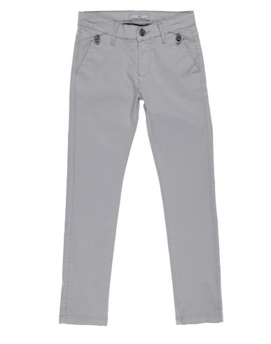 Фото - Повседневные брюки от CESARE PACIOTTI 4US светло-серого цвета