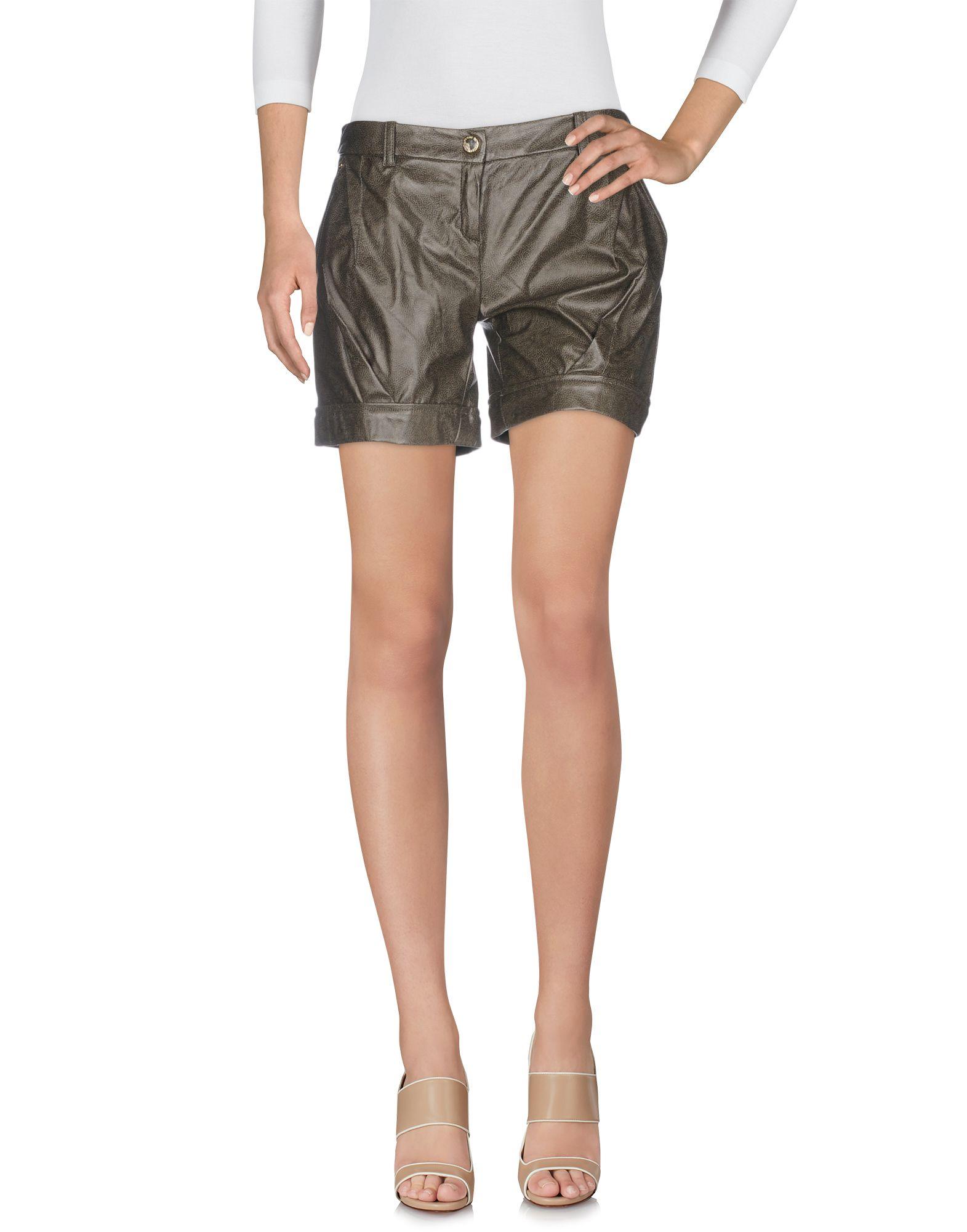 цены на ELISABETTA FRANCHI GOLD Повседневные шорты в интернет-магазинах