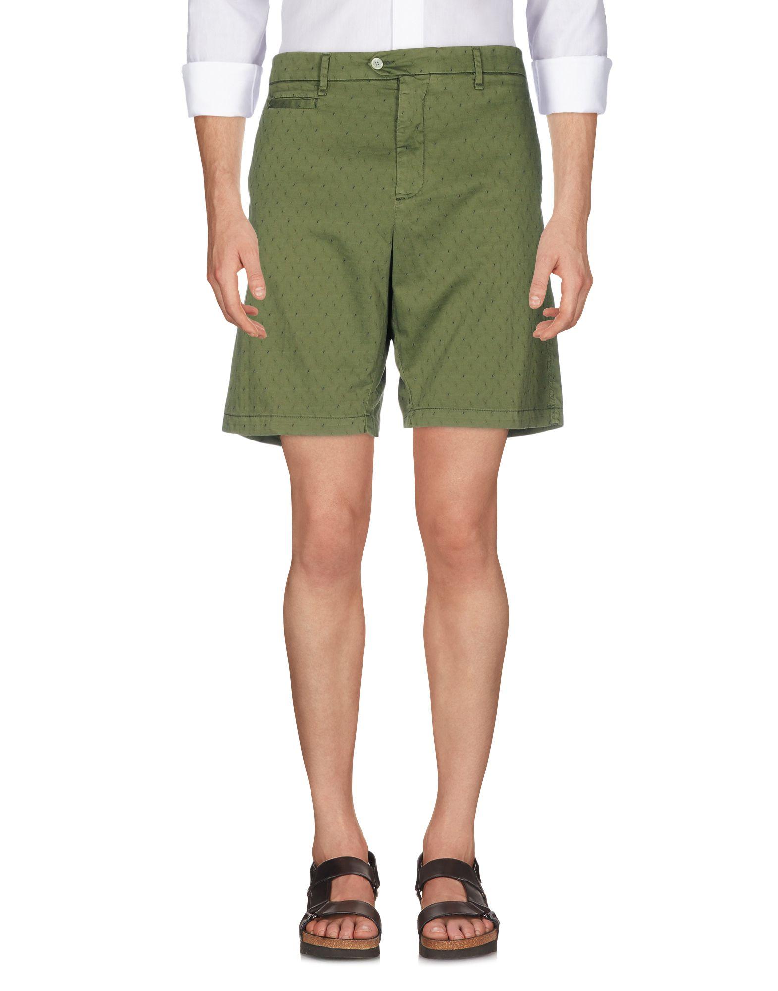PERFECTION Shorts & Bermuda in Green
