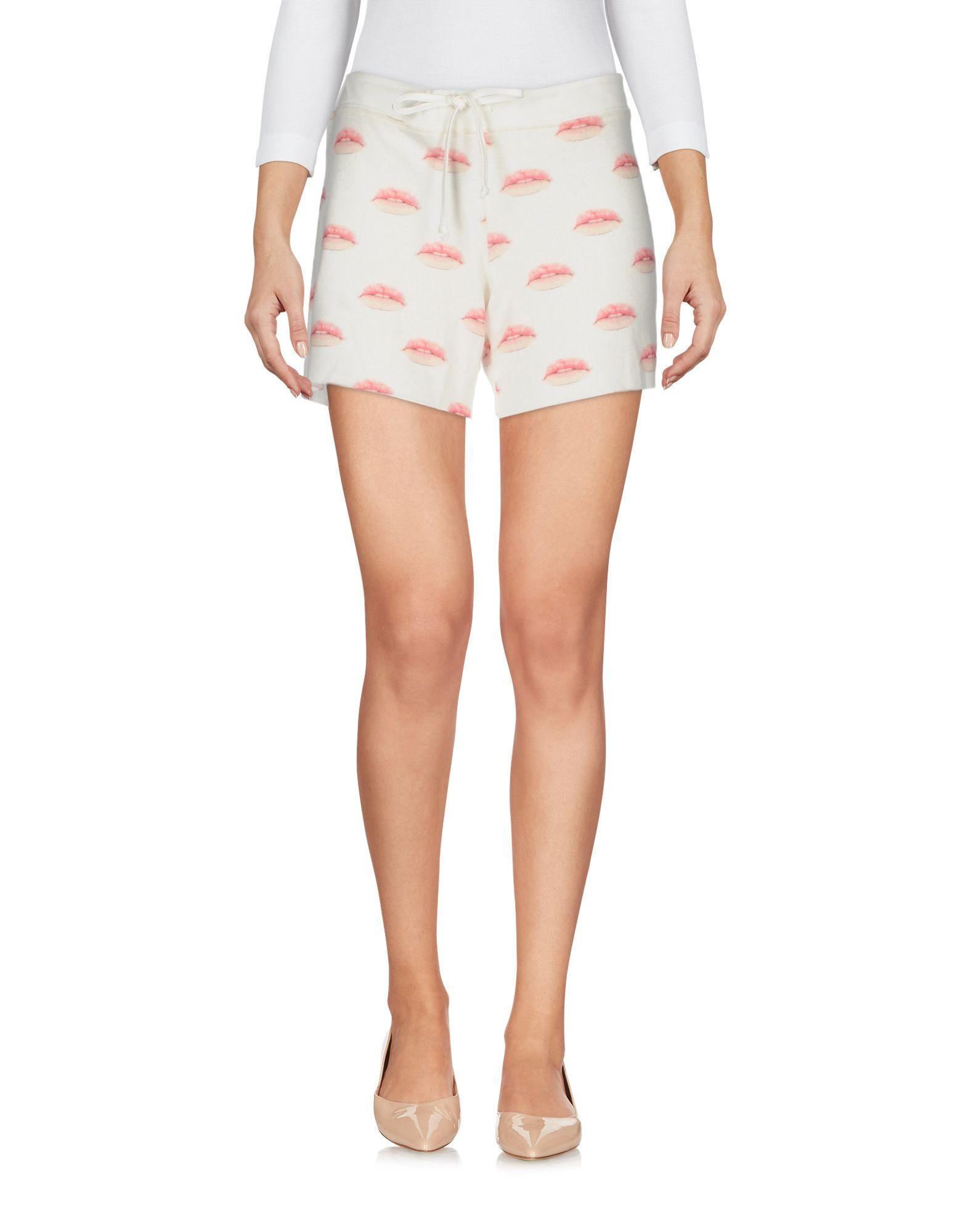 ALL THINGS FABULOUS Shorts & Bermuda in White