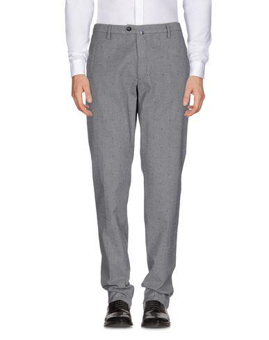Купить Повседневные брюки от NEW ENGLAND серого цвета