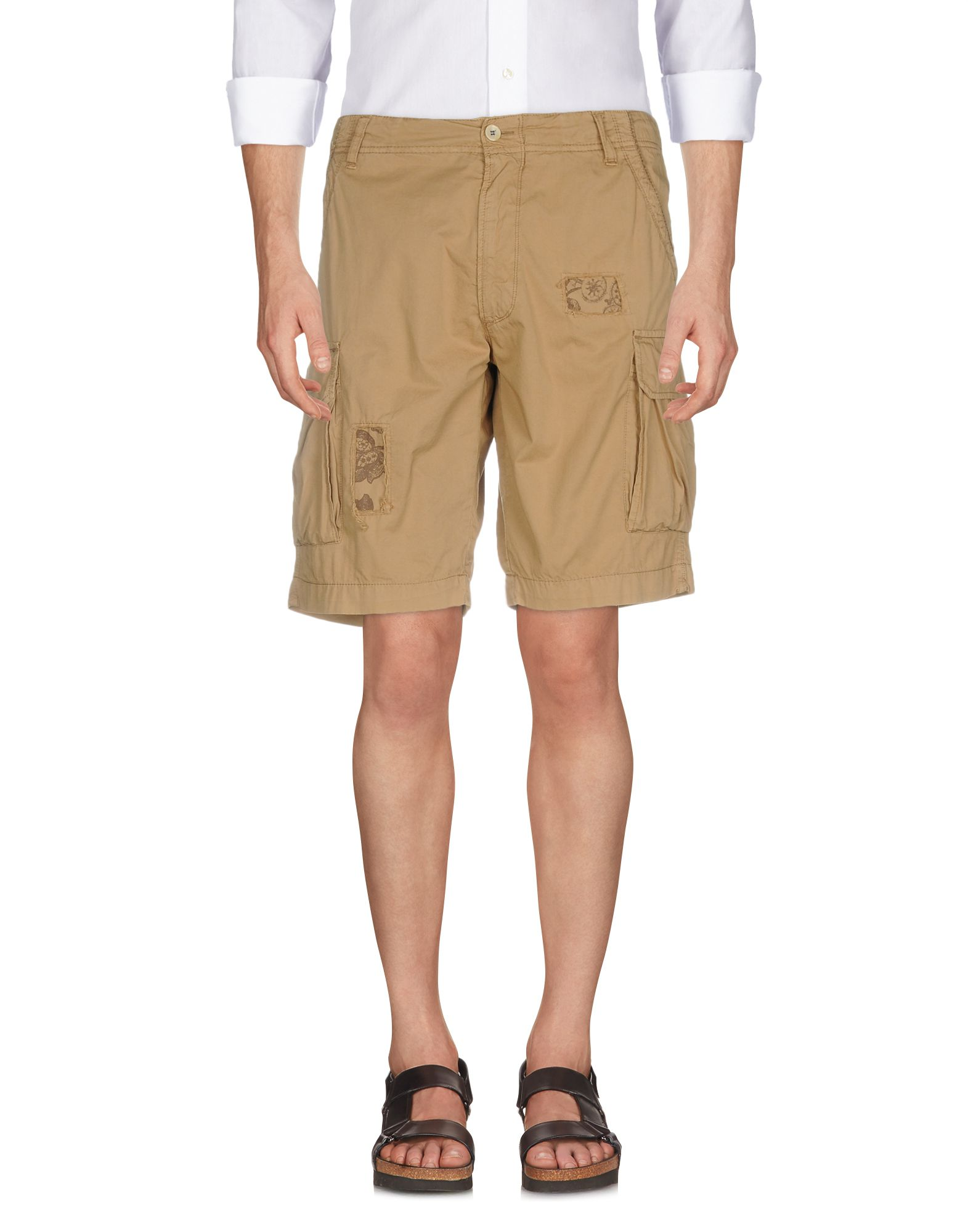 PERFECTION Shorts & Bermuda in Sand