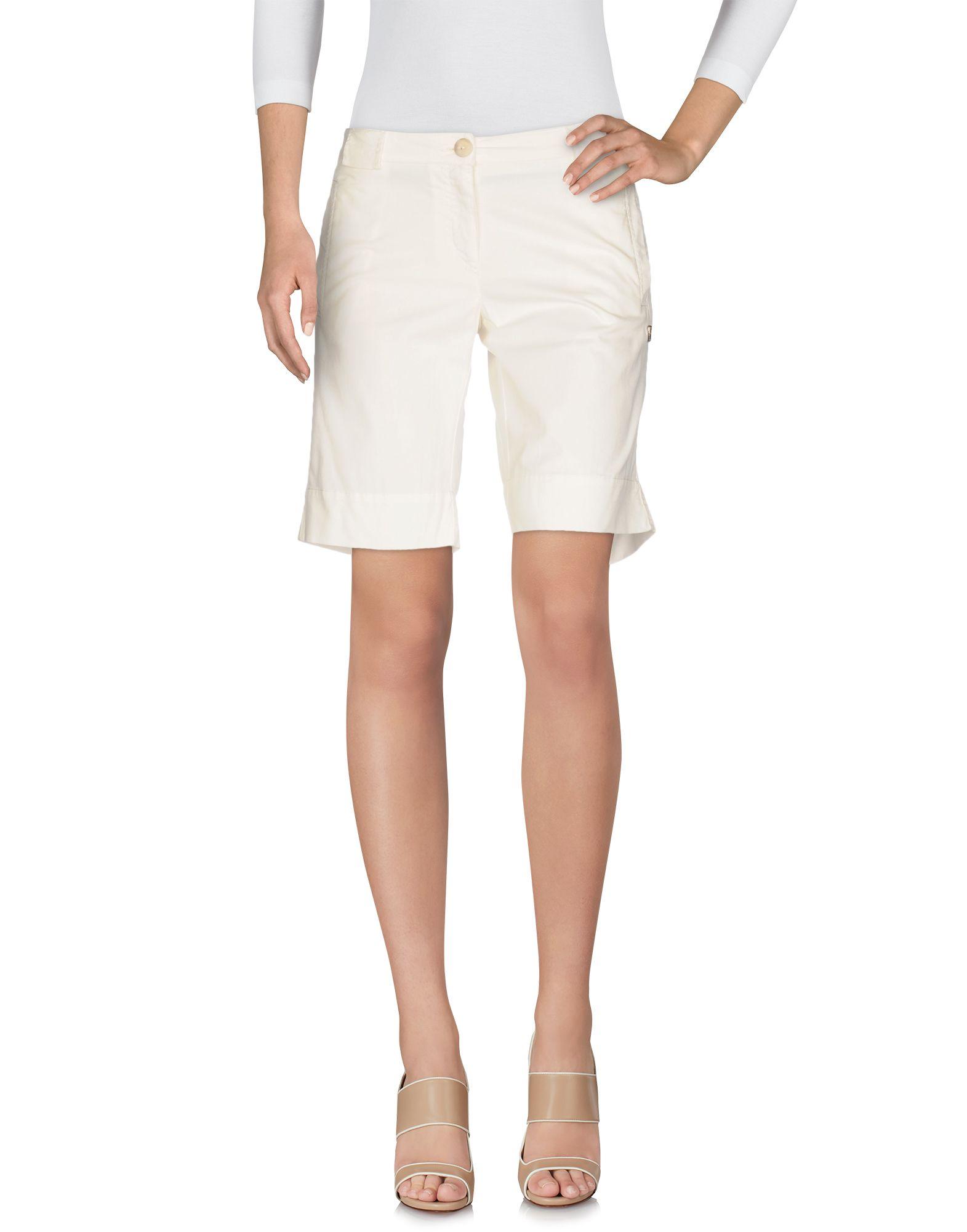 Blauer Shorts & Bermuda