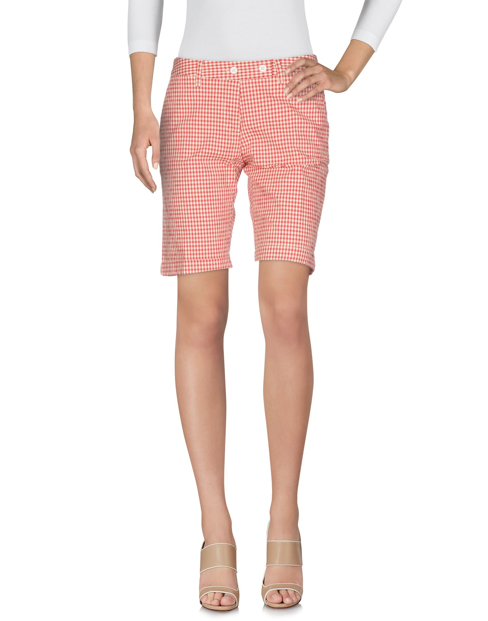 PERFECTION Shorts & Bermuda in Red