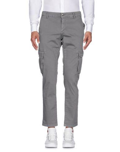 Фото - Повседневные брюки от DANIELE KALAMARI New York серого цвета