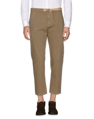 Фото - Повседневные брюки от WHITE SAND 88 коричневого цвета