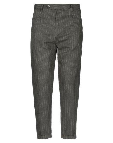 Фото - Повседневные брюки от OFFICINA 36 цвет зеленый-милитари
