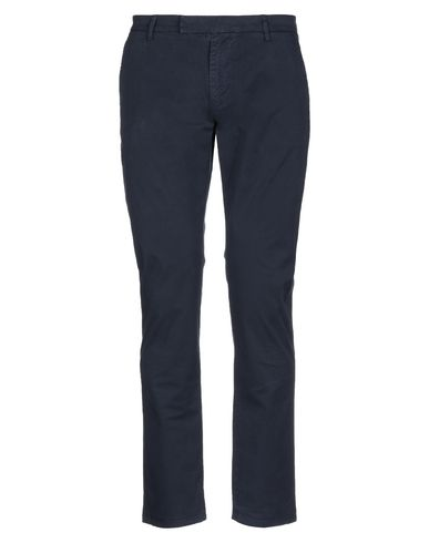 Фото - Повседневные брюки от BRIAN DALES темно-синего цвета