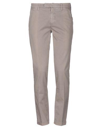 Фото - Повседневные брюки от SIVIGLIA WHITE цвета хаки