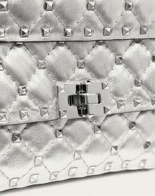 Маленькая сумка Rockstud Spike с металлизированным эффектом