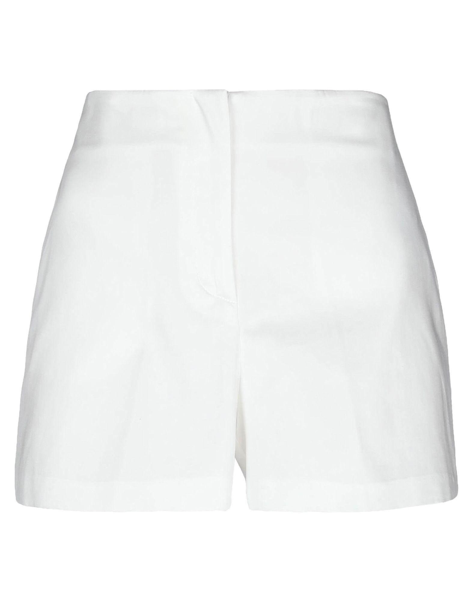 цены на BLUMARINE Повседневные шорты  в интернет-магазинах