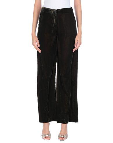 Фото - Повседневные брюки от KARTIKA темно-зеленого цвета
