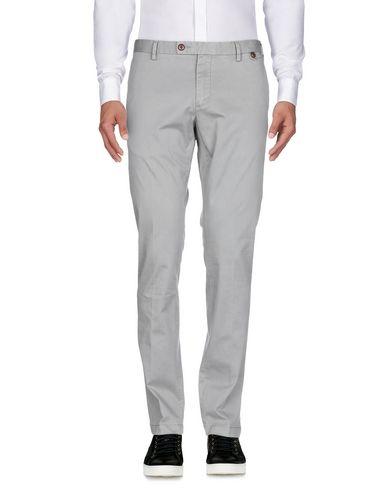 Фото 2 - Повседневные брюки от AT.P.CO серого цвета