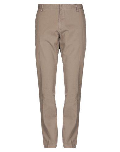 Фото - Повседневные брюки от AT.P.CO цвета хаки