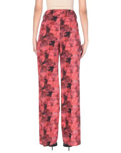 Фото 2 - Повседневные брюки от PT01 красного цвета